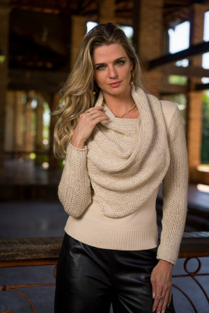 Blusa lenço e manga tricot londres
